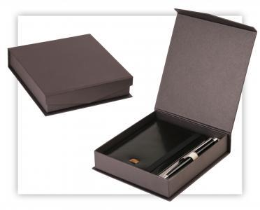 Pudełko kaszerowane na zestaw upomnkowy
